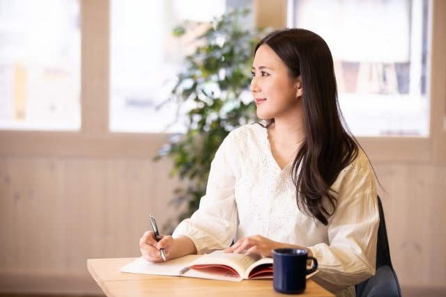 「資格を活かして働く」ことに特化したキャリア支援